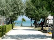 Viale del villaggio Europa in Abruzzo